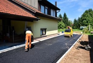 This is a picture of an asphalt driveway installation.
